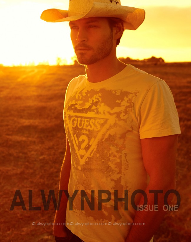ALWYNPHOTO_Issue_one_cover