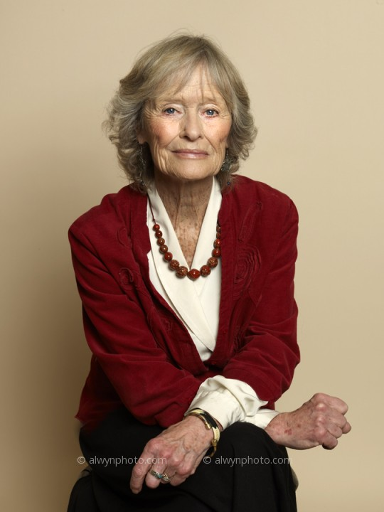 Virginia_mckenna_photgraphed_by_alwyn_coates