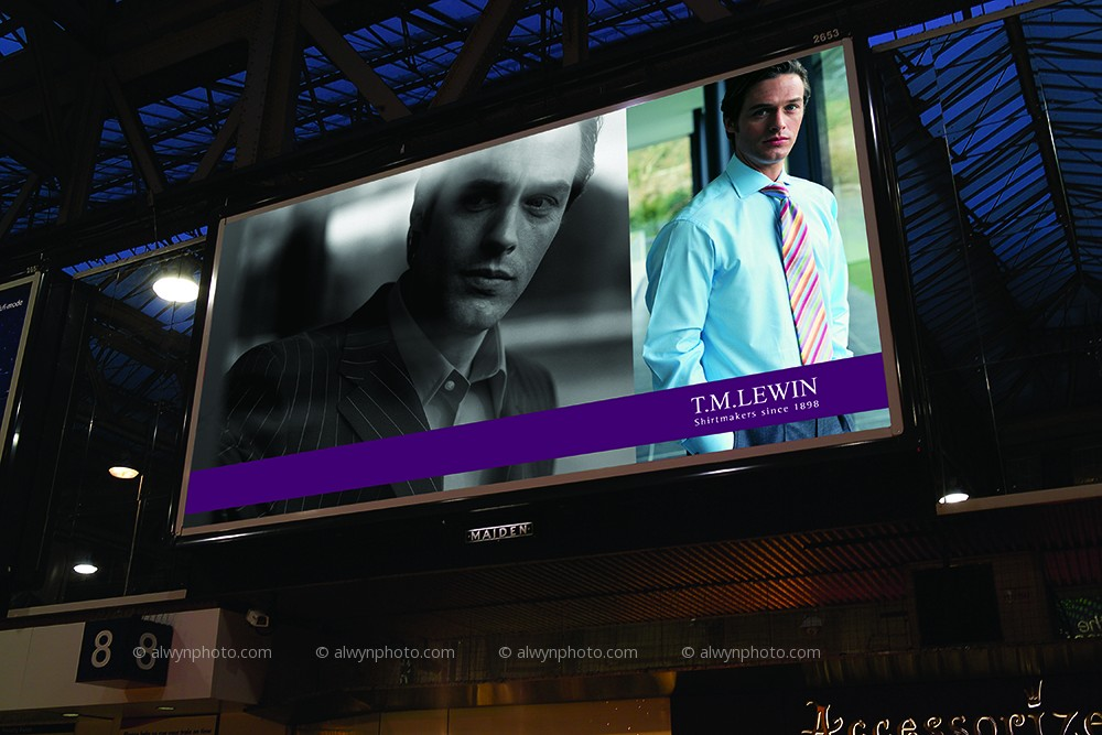 Station_Billboards_